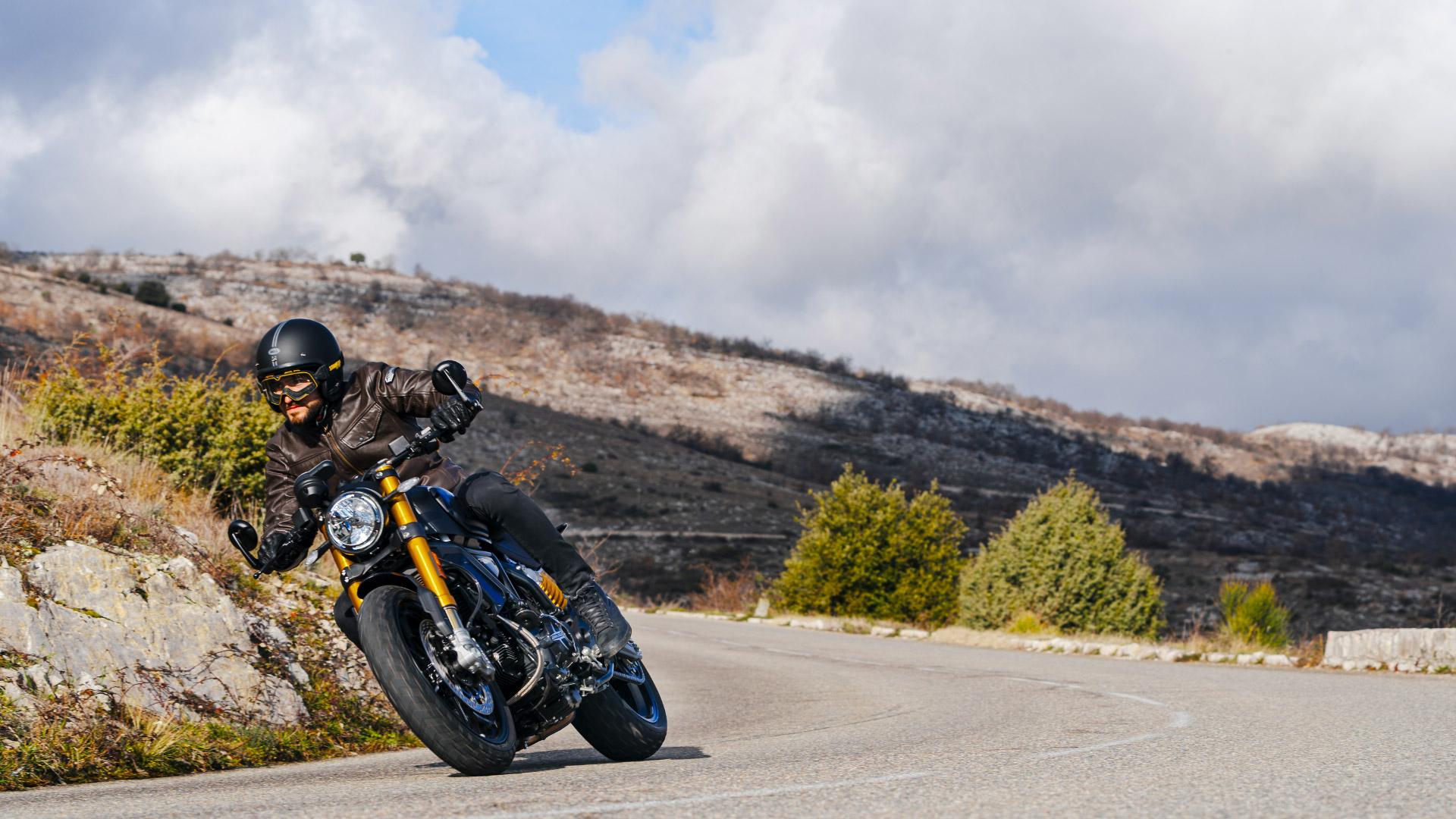 Ducati Scrambler 1100 Sport Pro sportliche Kurvenlage