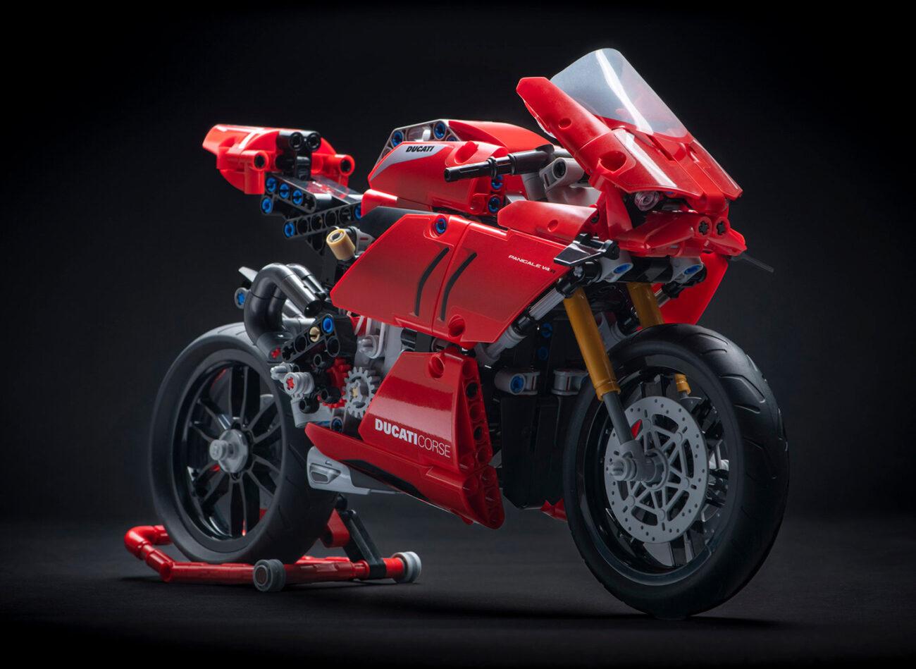 Ducati Panigale V4 Lego Version