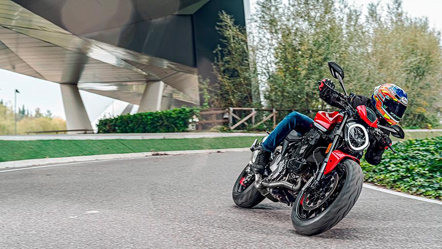 Ducati Monster als 35 kw Motorrad