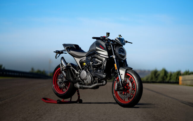 #We love Monster - Ducati Monster bei Ducati Berlin