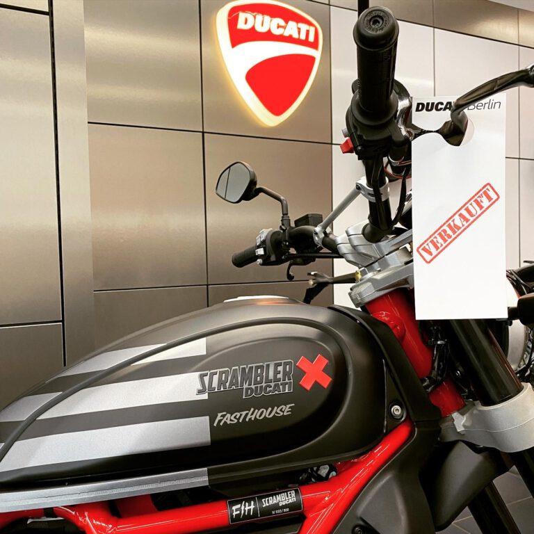 Scrambler Desert Sled Fasthouse – Ducati Berlin
